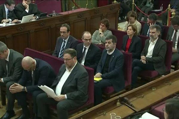 Mi mars 2019, lors d'un procès fleuve à Madrid : depuis un mois, 12 indépendantistes catalans sont jugés pour sédition ou rébellion par le tribunal suprême espagnol. Des responsables d'associations, d'anciens élus du parlement catalan qui risquent jusqu'à 35 ans de prison.