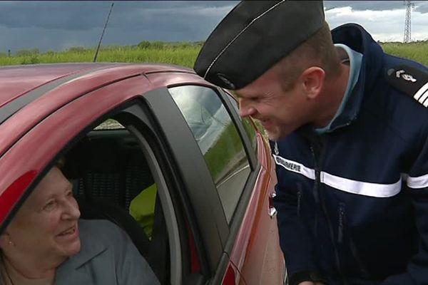 En Haute-Saône, les gendarmes récompensent les bons conducteurs...