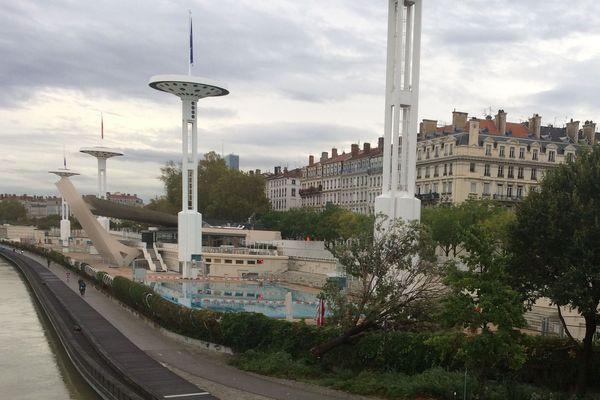 Lyon prêt à rouvrir les piscines si le gouvernement donne son feu vert.