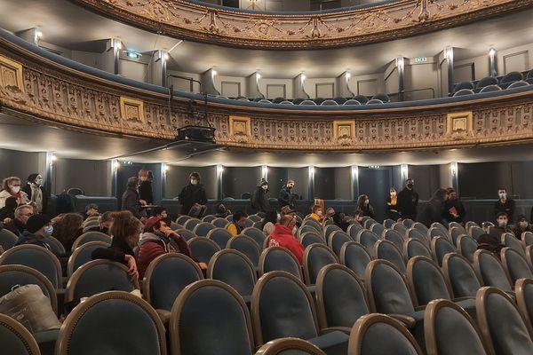 Une quarantaine d'artistes et techniciens occupent le théâtre Graslin, à Nantes