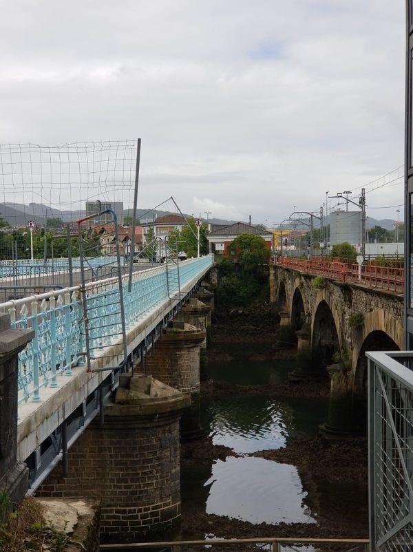 Si les migrants traversent la Bidassoa c'est parce qu'il est de plus en plus difficile de franchir les ponts à la frontière.
