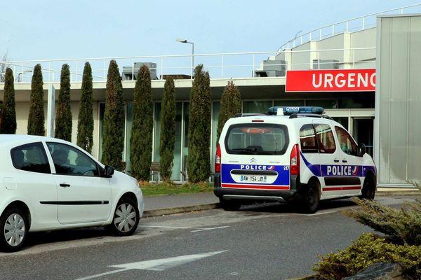Les urgences de l'hôpital de Valence sont toujours fermées, lundi 30 septembre, suite à des malaises et des émanations toxiques.