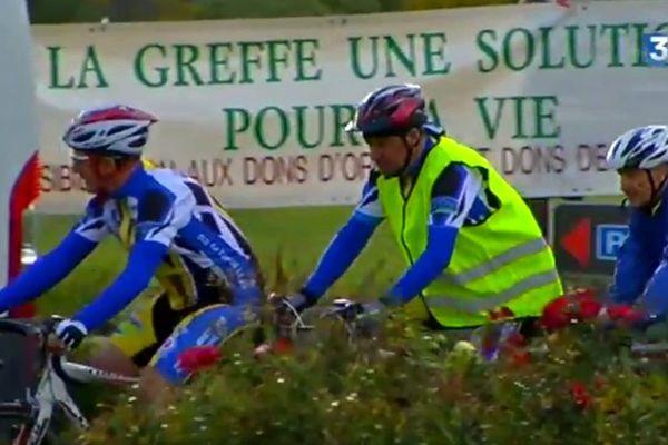 45 cyclistes ont pris le départ du tour de Bretagne des greffés