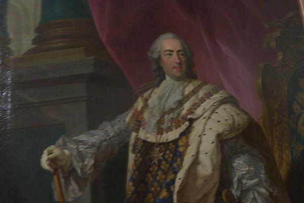 Portrait de Louis XV peint par Jean-Martial Frédou en 1763. Ignoré dans la salle du conseil municipal de Moissac, il pourrait être bientôt classé aux Monuments Historiques.