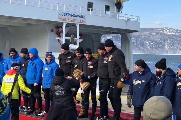 Le podium de la course de canots sur glace de l'Isles-aux-Coudres, sur le fleuve Saint-Laurent au Québec - 22/02/2020