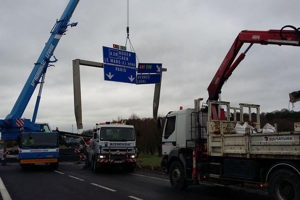 Le portique endommagé sur l'A11 à hauteur du Mans a été évacué