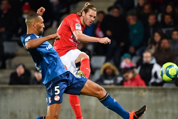En Ligue 1, le Nîmes Olympique s'est imposé face au stade de Reims, à domicile, le 11 janvier 2020.