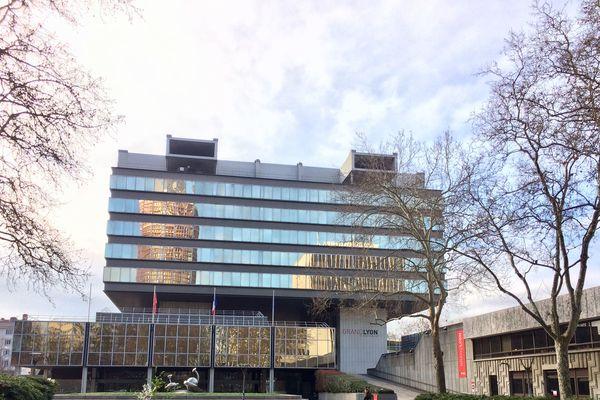 Un conseil communautaire exceptionnel s'est tenu jeudi 23 avril 2020 à la Métropole de Lyon. Une séance à laquelle une majorité des élus ont participé par visio-conférence.