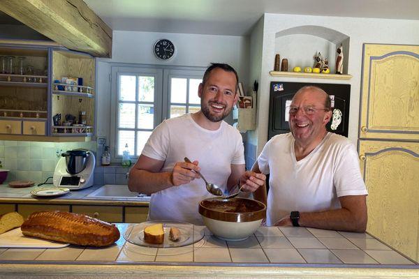 David et Philippe nous présentent les recettes de la teurgoule et de la fallue