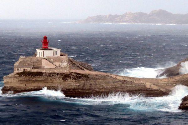 Illustration - Tempête à Bonifacio (Corse du Sud, secteur de la Tonnara.