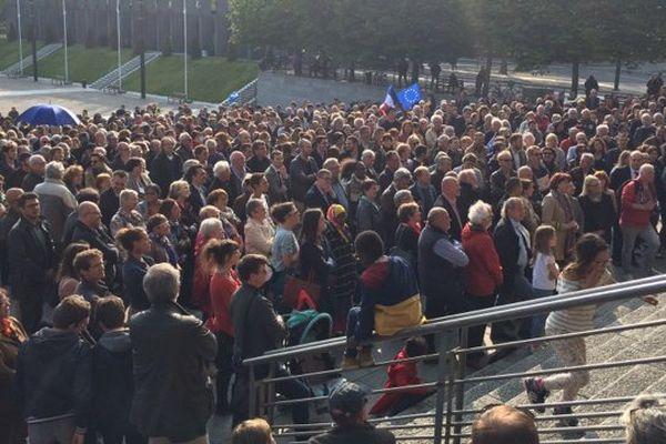"""1.500 personnes réunies à Brest pour un """"rassemblement républicain"""" contre le FN - 4 mai 2017"""
