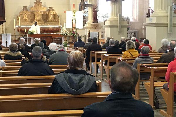Une cérémonie était célébrée mercredi 14 avril à Tonnay-Charente (17) pour la libération du prêtre Evens Joseph enlevé en Haïti avec neuf autres personnes.