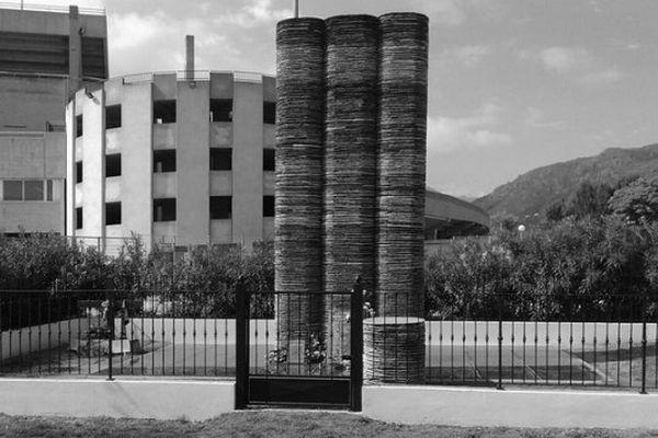 Stèle en mémoire de la catastrophe du 5 mai 1992 au Stade de Furiani