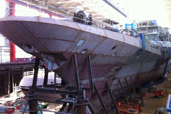 """La frégate """"provence"""" aux chantiers DCNS de Lorient"""