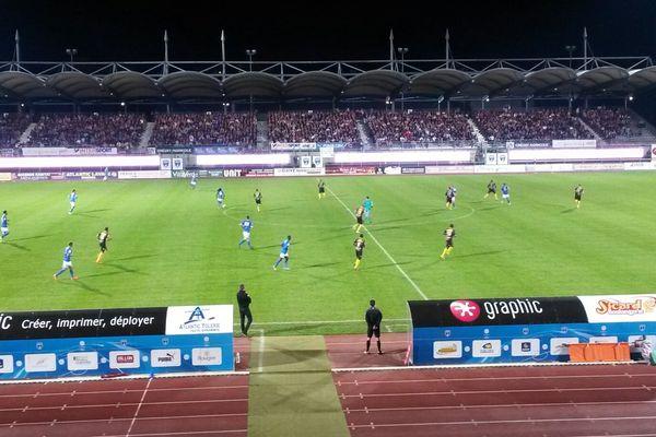 Score final 1 à 1 pour le match entre Niort et Orléans