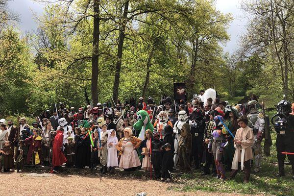Certains ont mis plusieurs mois pour réaliser leur costume avant devenir à la convention Star Wars à Cusset dans l'Allier les 27 et 28 avril.