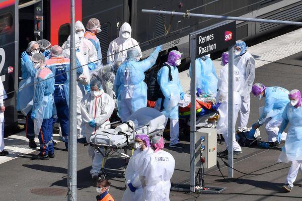 Deux trains sanitaires en provenance de Paris ont déjà transporté des malades vers la Bretagne le 1er avril