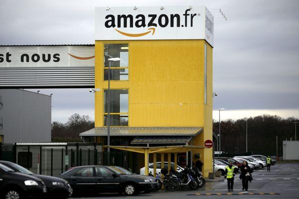 L'entrepôt d'Amazon à Saran (Loiret) infiltré par les équipes de Capital.