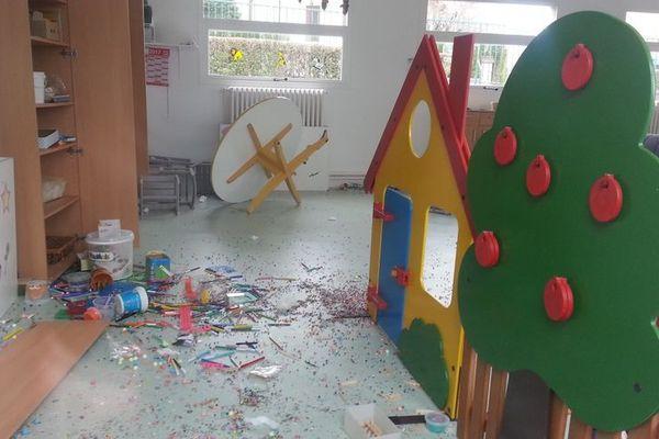 Les vandales se sont introduit dans les locaux dans la nuit de jeudi à vendredi