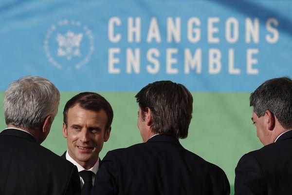 Emmanuel Macron, à la suite de son discours à l'Elysée, mardi 27 novembre.