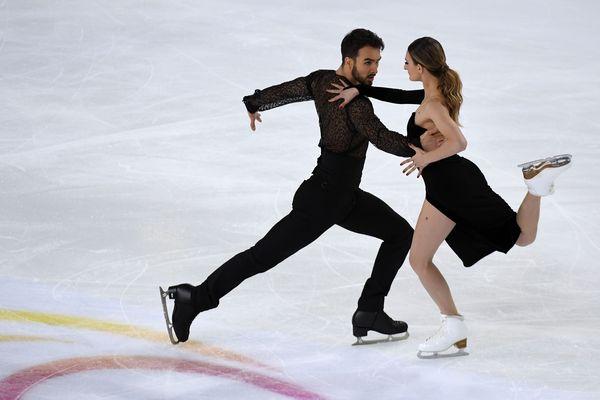Gabriella Papadakis et Guillaume Cizeron, vendredi 23 novembre, en danse rythmique aux internationaux de France qui se déroulent à Grenoble.