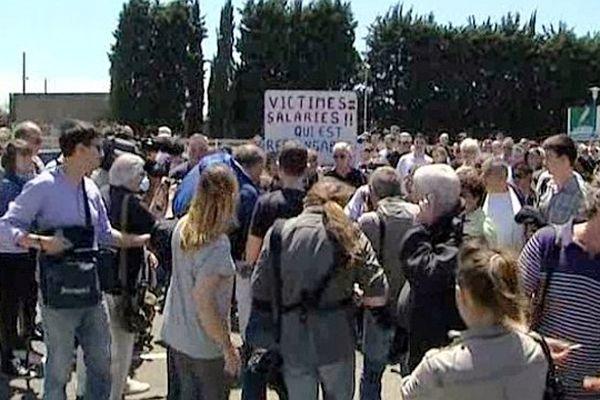 Castelnaudary (Aude) - les salariés de Spanghero après l'annonce du délai supplémentaire de 2 semaines pour les offres de reprise - 5 juin 2013.