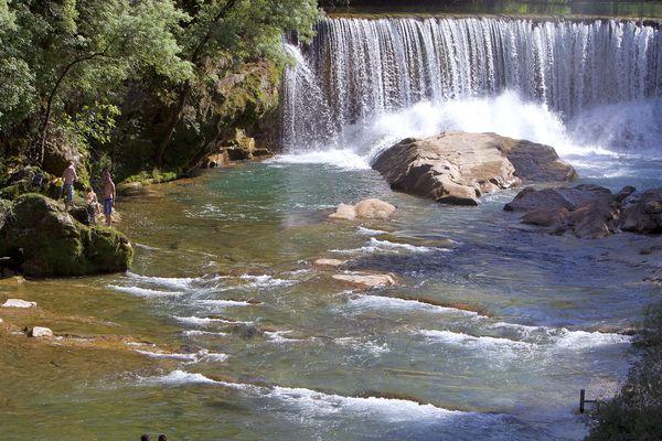 La cascade de Saint-Laurent-le-Minier dans les Gorges de la Vis dans le Gard