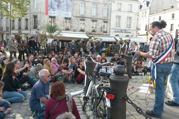 Plusieurs discours ont été prononcés lors de cet hommage à Rémi Fraisse.