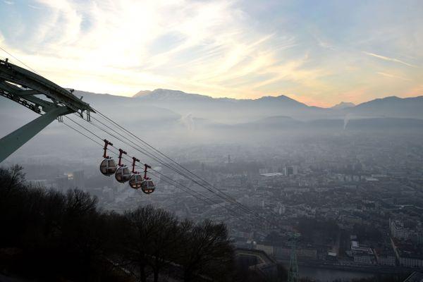 Grenoble vue depuis la Bastille le 13 décembre 2016.