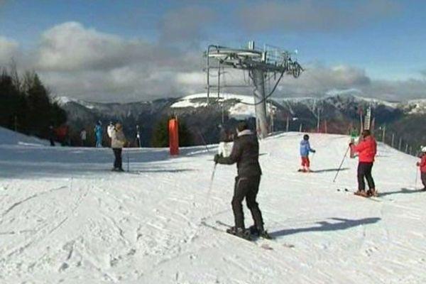Après un début de saison morose, les professionnels sont ravis que la neige soit de retour