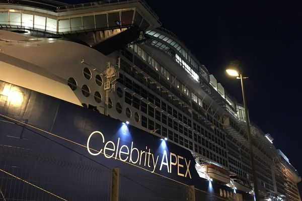 Le Celebrity Apex à saint-Nazaire