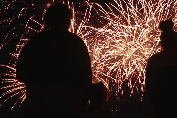 Les Manceaux étaient parmi les rares à pouvoir assister à un feu d'artifice lundi soir.
