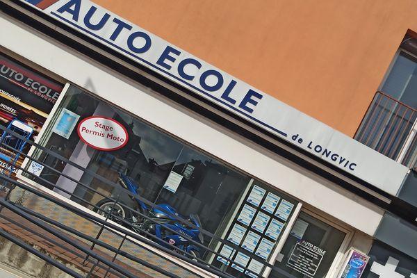 L'auto-école de Longwic (Côte-d'Or) a dû refermer ses portes quelques minutes après la reprise des leçons ce lundi 11 mai