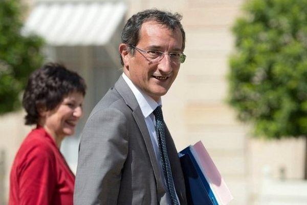 Le ministre délégué à la Ville François Lamy sortant de l'Elysée le 2 août 2013, au terme du dernier Conseil des ministres avant les vacances du gouvernement.
