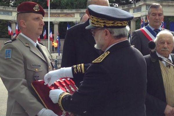 Le préfet de Lons-le-Saunier, Jacques Quastana dirige la cérémonie de commémorations du 8 mai 1945.