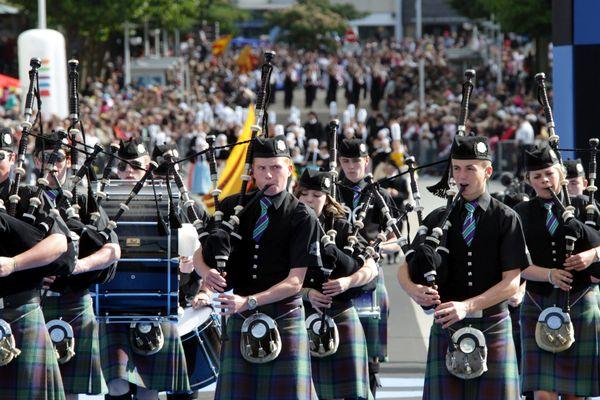Festival interceltique Grande Parade des nations Celtes Sond of Kintyre pipe Band (Ecosse)