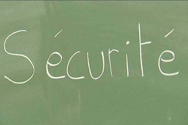 Les écoles de Saint-Cyr-sur-Loire sont équipées d'un système anti-intrusion.