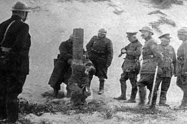 """Les déserteurs étaient souvent fusillés pour exercer """"un effet dissuasif sur les troupes""""."""