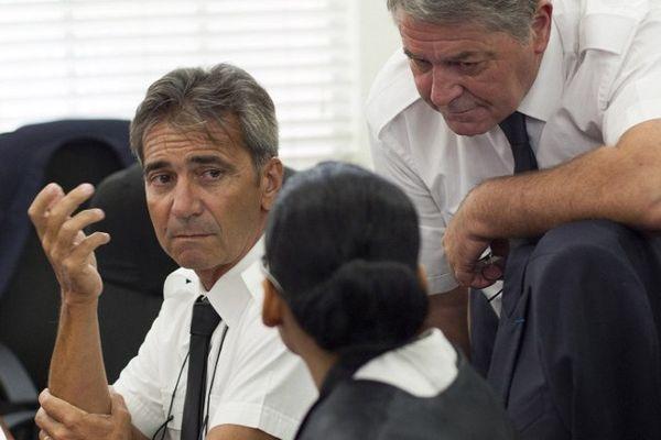 Les pilotes rhône-alpins Bruno Odos et Pascal Fauret, lors de leur procès à Saint-Domingue le 5 juin 2015.