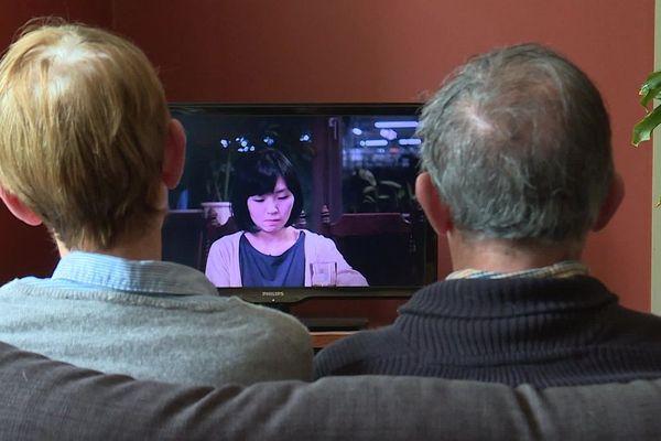 Chaque jour, ce couple de cinéphiles ariégeois profite de la plateforme mise en service par le cinéma de Lavelanet.