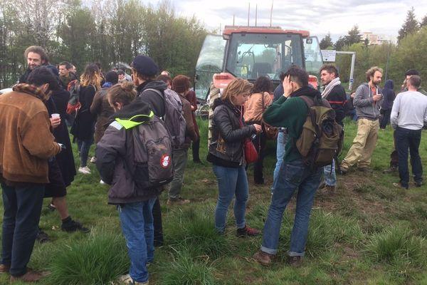 200 personnes au rond-point de Nantes
