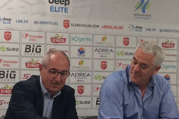Le 27 mai 2019, Philippe Hervé (D) est nommé entraîneur à l'Elan Chalon