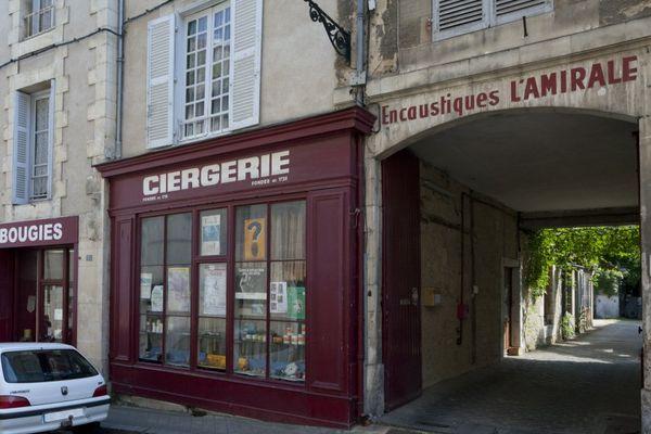 Au 113 de la Grand'Rue, la ciergerie Guédon fermera ses portes samedi.
