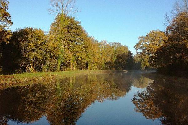 Sur les bords du canal de Nantes à Brest, à Rostrenen (22)