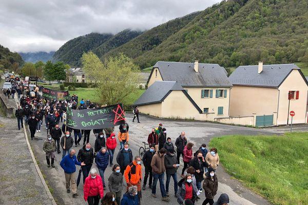 Environ 200 personnes ont manifesté à Arreau pour réclamer le retrait des ours à problème
