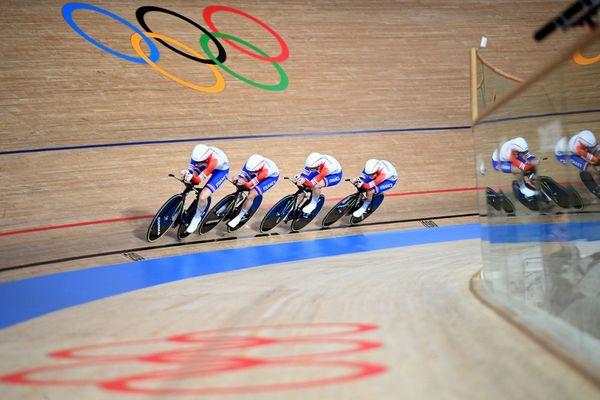 Les Françaises battent le record de France de près de 5 secondes.