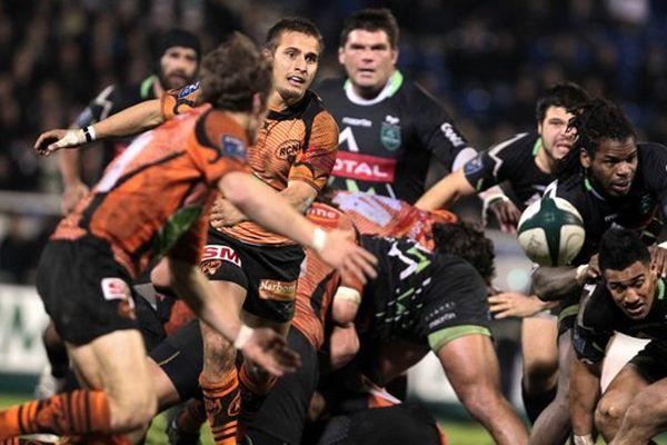 Le Match de rugby de Pro D2 du 22/12/12 opposant la Section Paloise contre Narbonne , au stade du Hameau