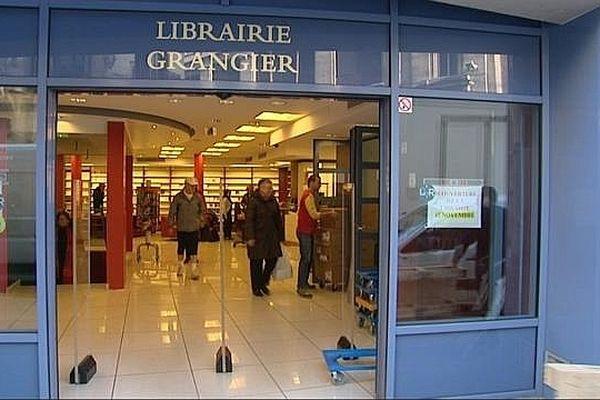 La librairie Grangier a repris son activité après 6 mois d'interruption.