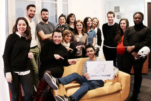 Toute l'équipe de ViensVoirMonTaf réunie autour d'un objectif : aider les jeunes sans réseau à trouver un stage.