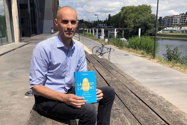 Maxime Renahy a sorti son livre en avril 2019, aux éditions Arènes.
